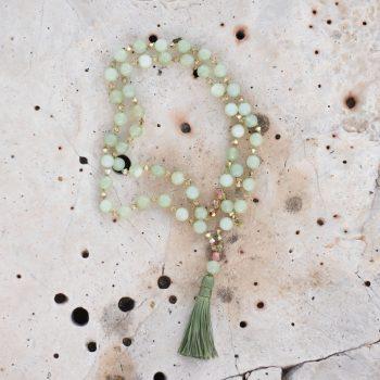 Divine Flower Mala Virgo / Jungfrau