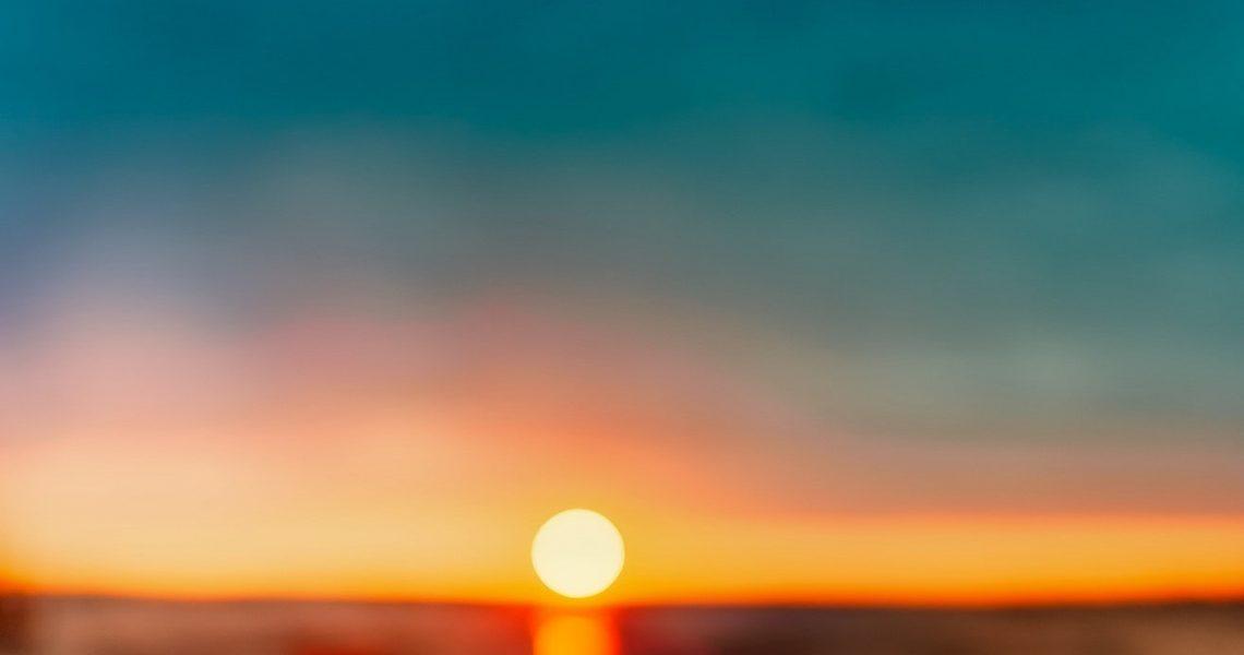 beach-blur-clouds-462030