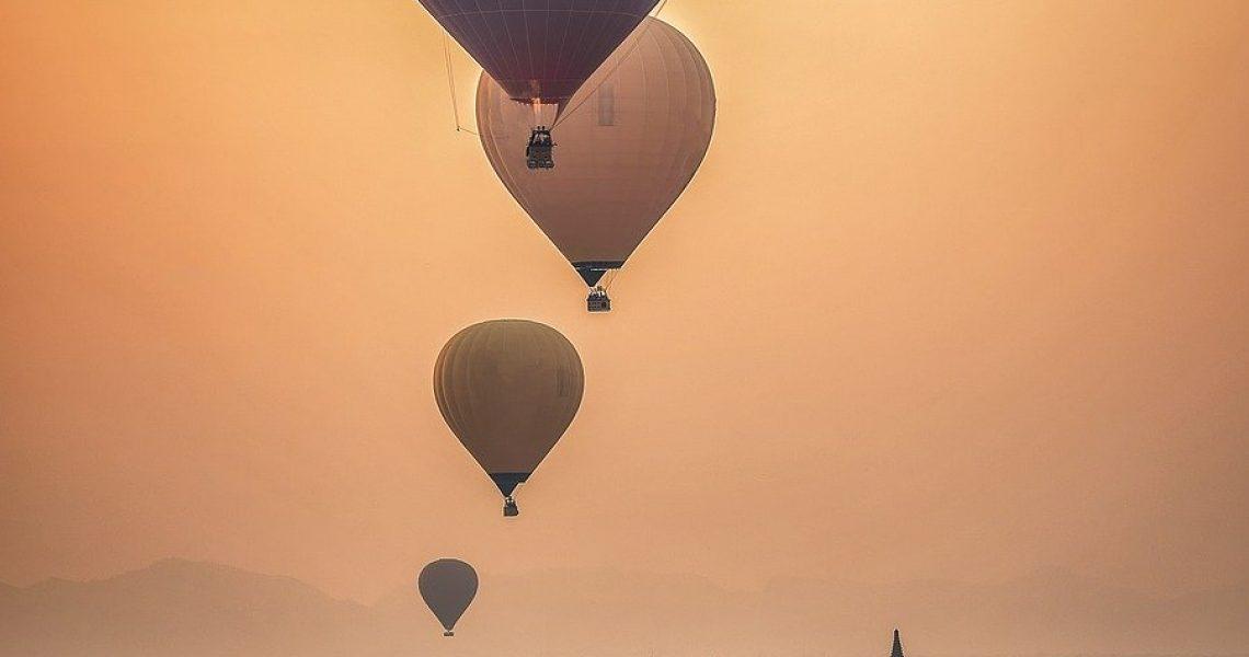 hot-air-ballon-1807521_1280